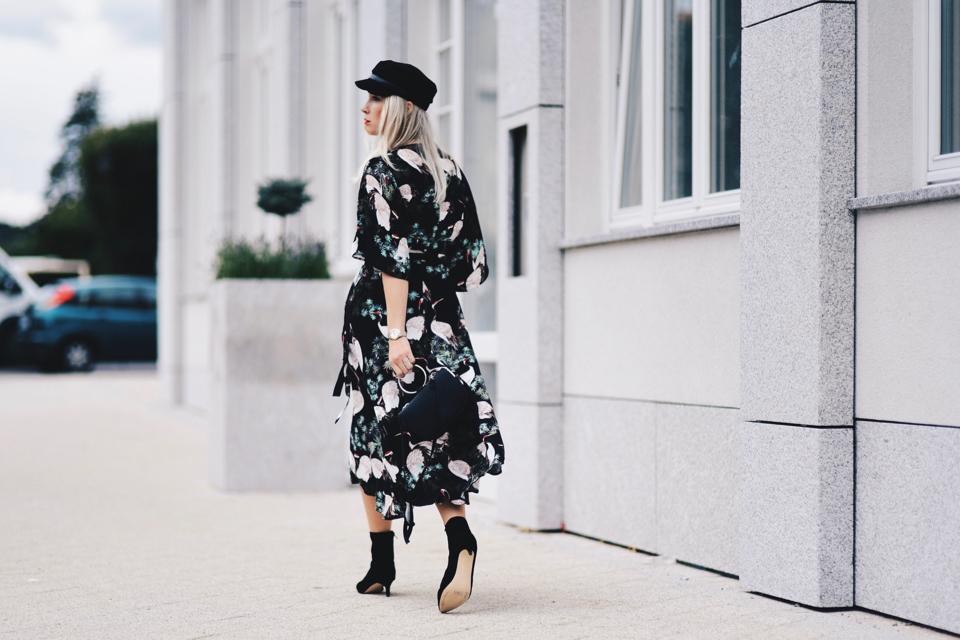 kimonowa sukienka stylizacja