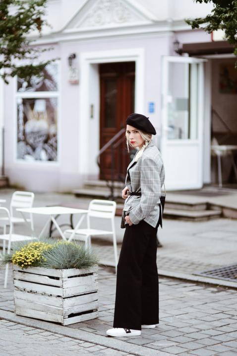 beret-jak-nosić-do-czego-nosić-stylizacja