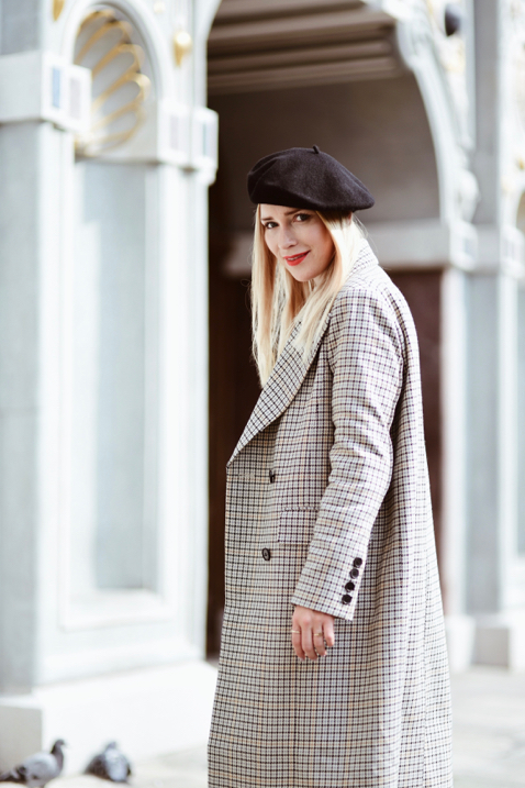 checked-coat-street-style-outfit