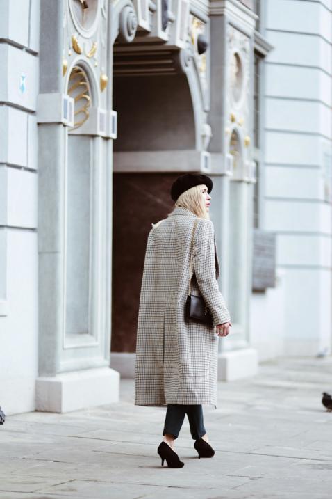 długi-płaszcz-w-kratę-stylizacja