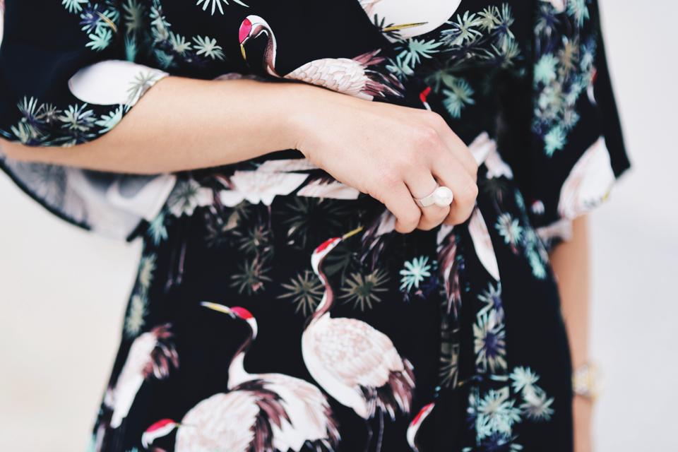 sukienka-w-japoński-wzór-żurawie-stylizacja