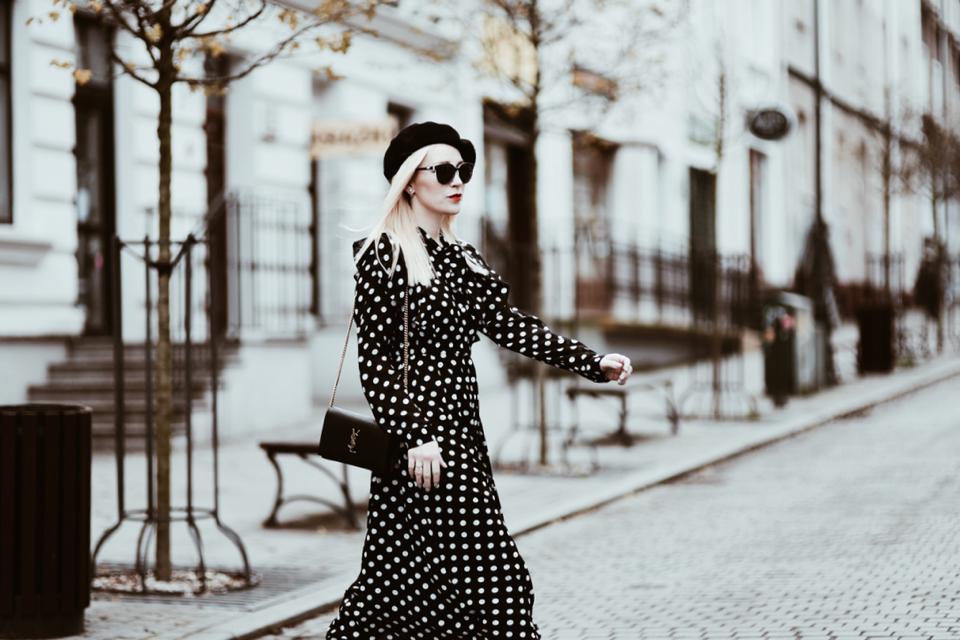 z-czym-nosić-sukienki-zimą-stylizacje