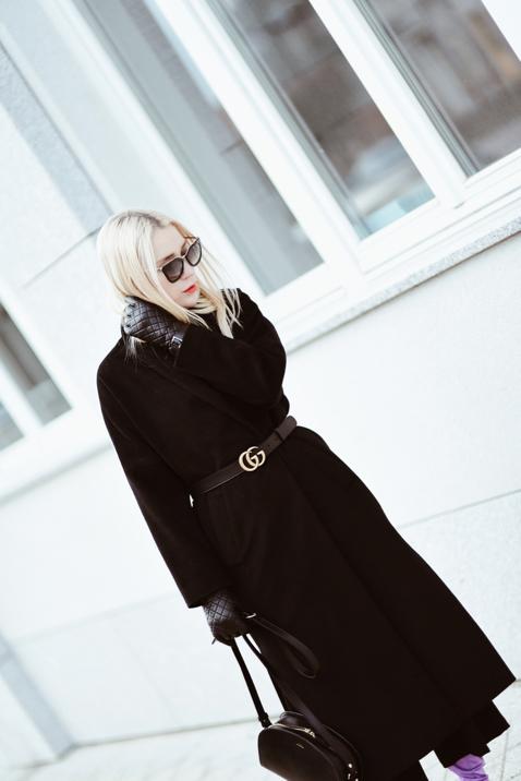 jak-ożywić-czarny-płaszcz-stylizacja