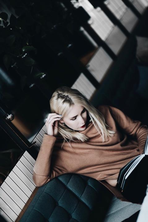 oversizowa-tunika-polska-marka-risk-jak-nosić-stylizacja