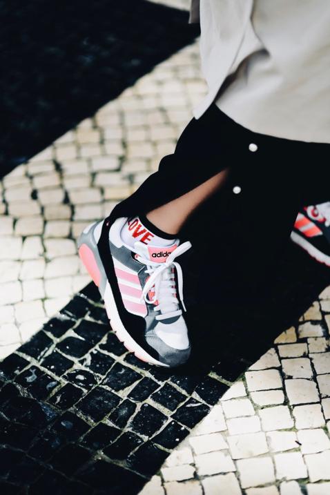 buty-sportowe-na-co-dzień-trend-na-ugly-shoes-ugly-sneakers-moda-na-brzydkie-sportowe-buty-stylizacja