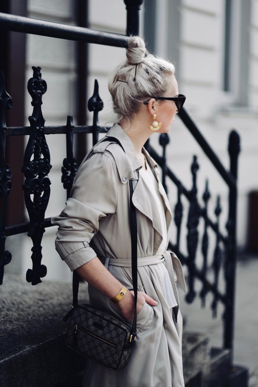 trencz-stylizacja-do-czego-nosić-do-czego-pasuje-jak-nosić-trend