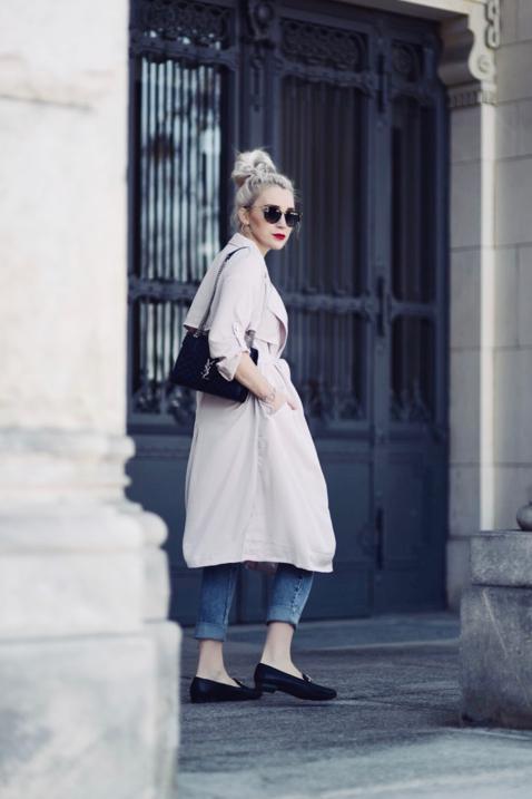 różowy-pastelowy-płaszcz-trencz-stylizacja-stylizacje-jak-nosić-do-czego-pastele-do-czego-pasują