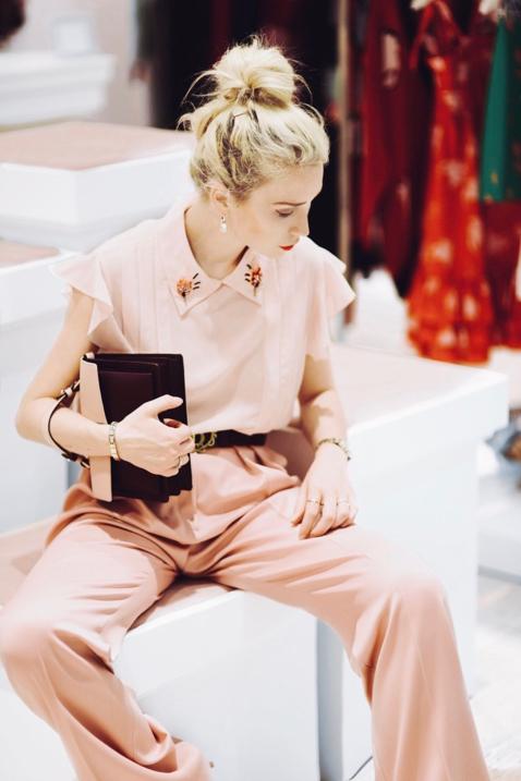 jak-nosić-pastelowe-ubrania-do-czego-nosić-pastele-stylizacja-poradnik