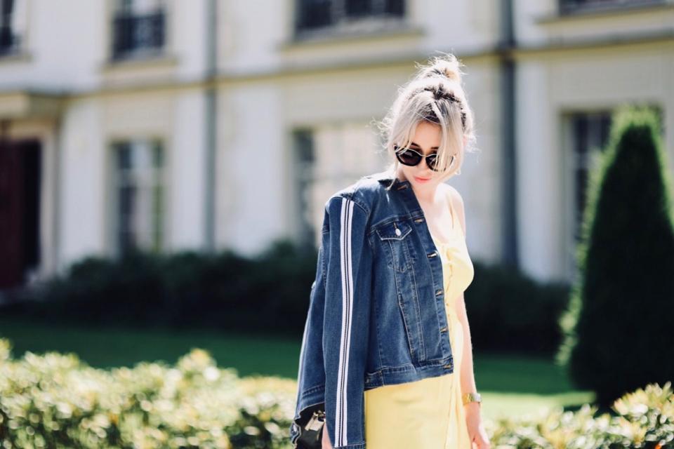 sukienka-w-cytrynowym-kolorze-z-czym-łączyć-do-czego-nosić