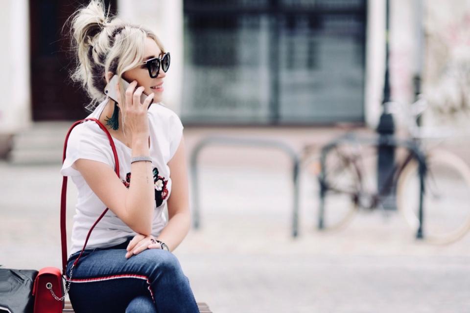 blogerka-modowa-w-ciąży-stylizacja