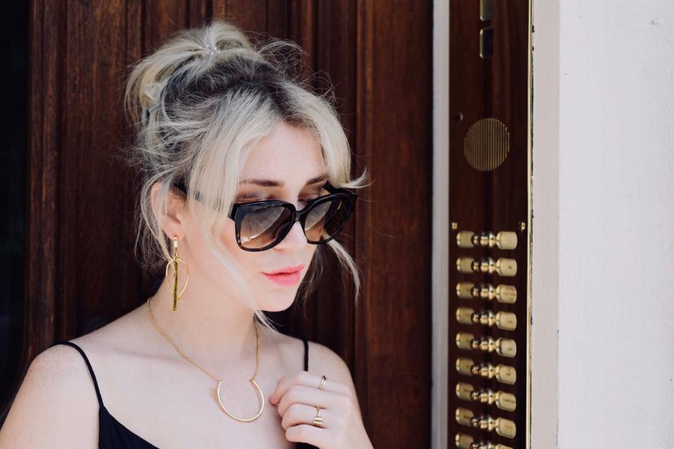 blond-włosy-z-ciemniejszym-odrostem-blog-inspiracja-shiny-syl