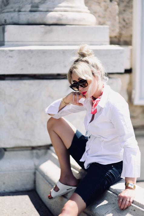 chustka-do-koszuli-apaszka-do-koszuli-jak-nosić-czy-pasuje-stylizacja-blog-o-modzie