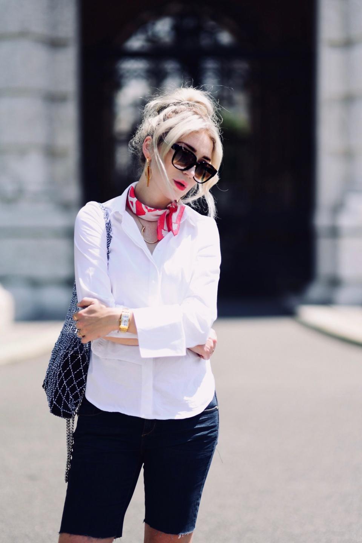 biała-koszula-na-lato-w-ciepły-dzień-blog-o-modzie-stylizacja