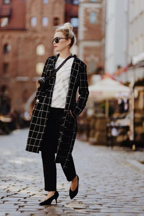 płaszcz-w-kratę-stylizacja-jak-nosić-do-czego-nosić-blog
