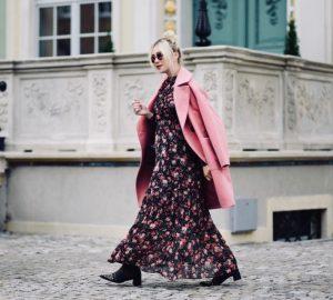 długa-sukienka-w-kwiatki-orsay-do-czego-nosić-do-czego-pasuje-jak-nosić-jesienią