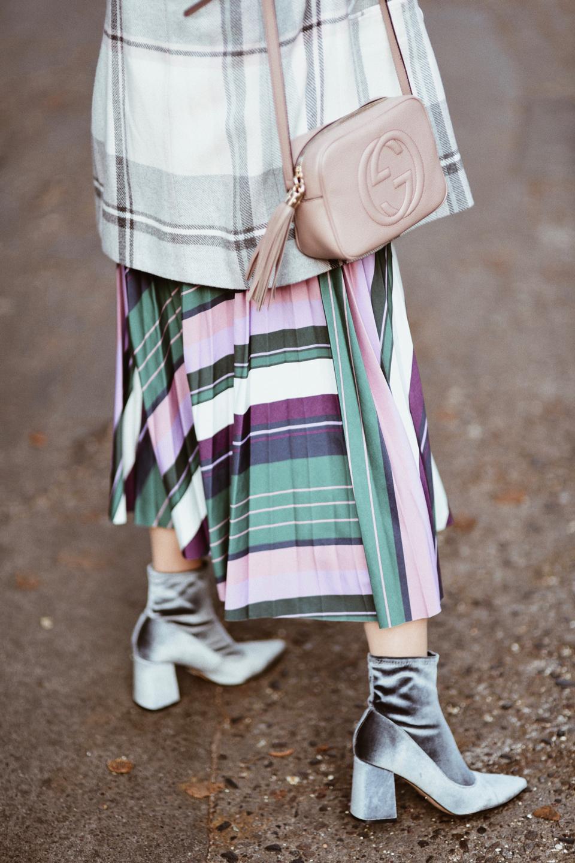 plisowana spódnica w jesiennej odsłonie stylizacja z plisowaną spódnicą
