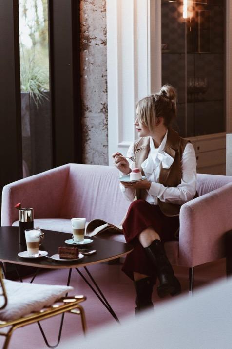 różowa-kawiarnia-trójmiasto-gdynia-rosse-rosse-instagramowa-kawiarnia-shiny-syl-sylwia-zaręba-gierz