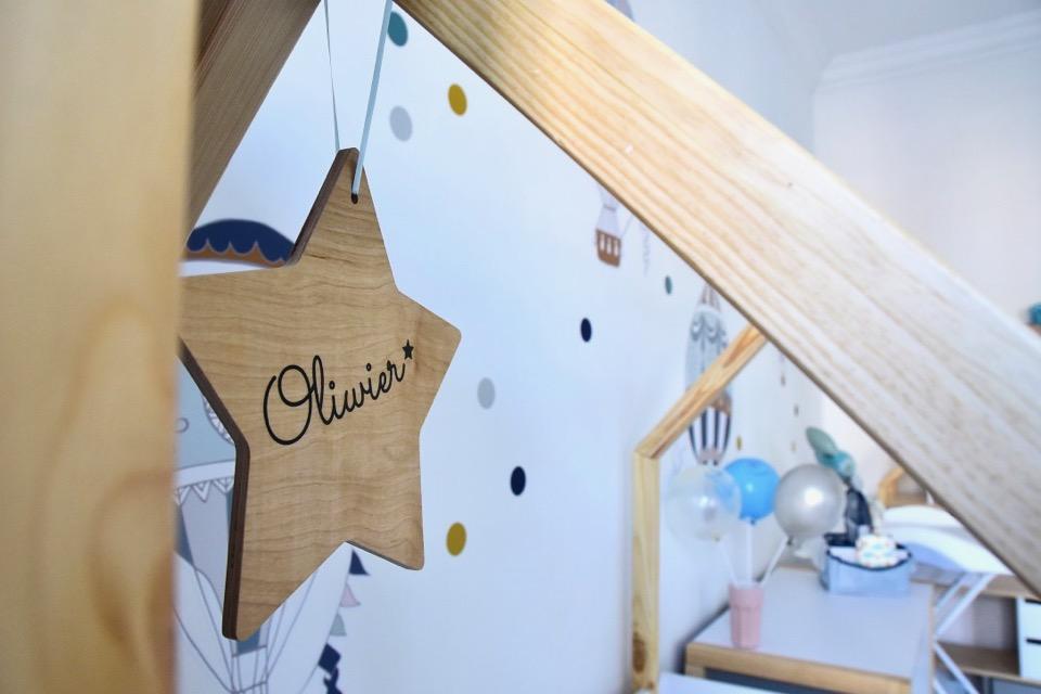 pokój-dziecka-jak-urządzic-pokój-dziecka-meble-domki-meble-z-daszkami-bellamy-pinette-naklejki-baloniki-dekornik-przewijak-beaba
