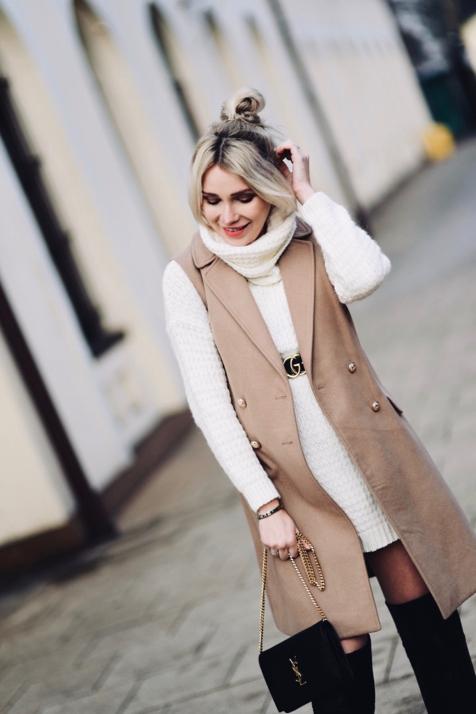 kamizelka-na-gruby-sweter-golf-swetrowa-sukienka-jak-nosić-do-czego-nosić-stylizacja-stylizacje