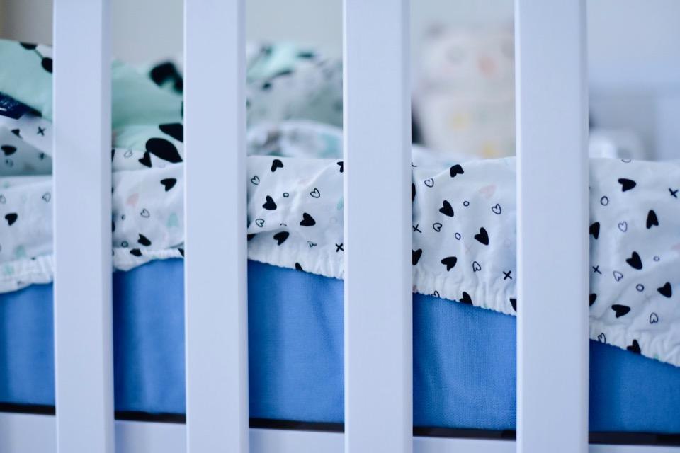 materacyk-dla-dziecka-jaki-wybrać-materac-dla-niemowlaka-baby-benet