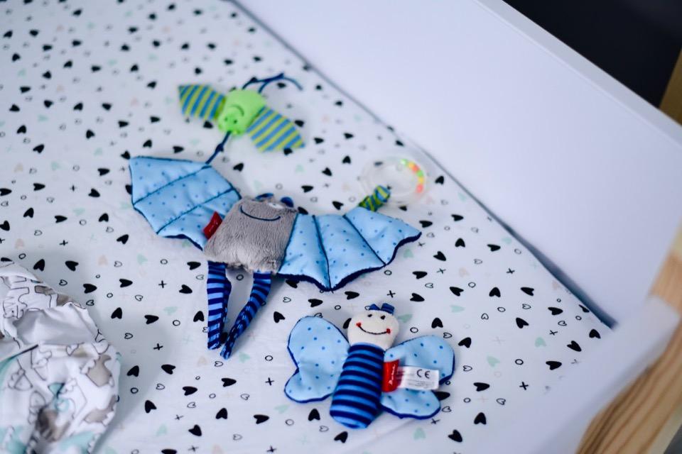 zabawki-dla-niemowlaka-fisherprice-kluczyki-książeczka