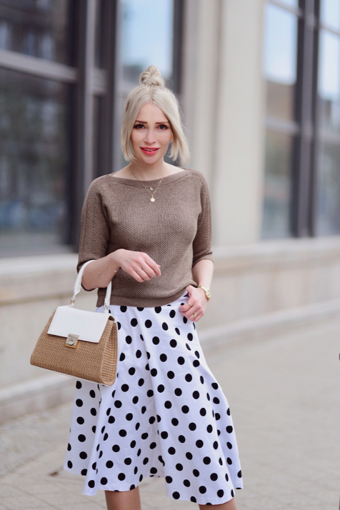 spódnica-w-groszki-w-grochy-stylizacja-stylizacje-jak-nosić-do-czego-nosić-co-na-górę