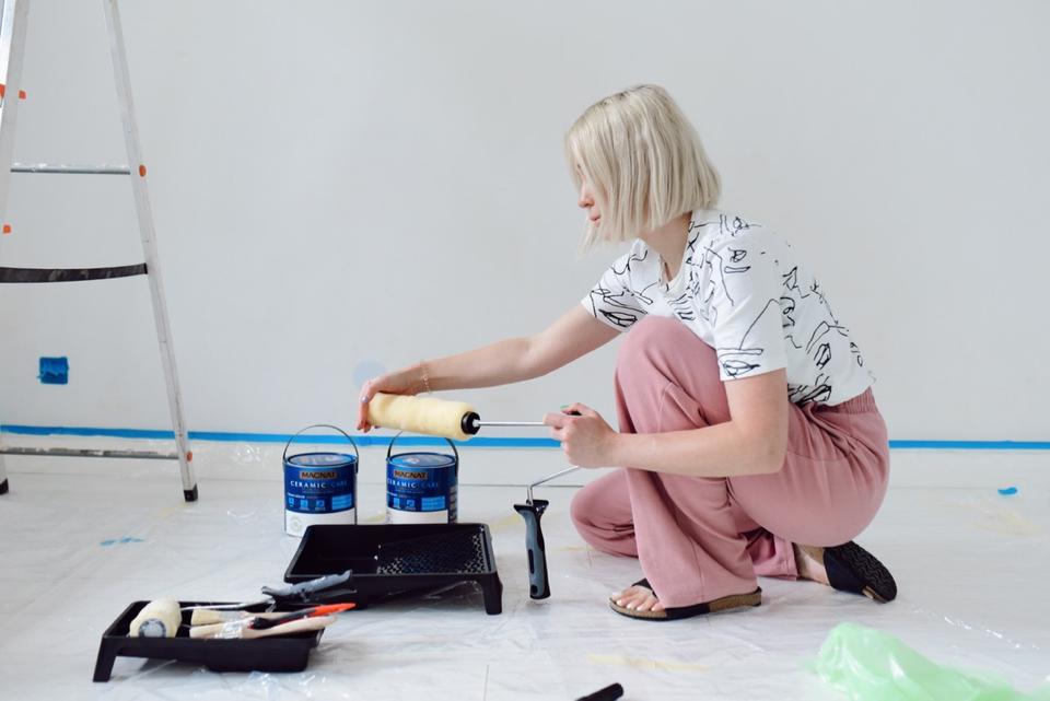 beżowa sypialnia malowanie inspiracja - 2